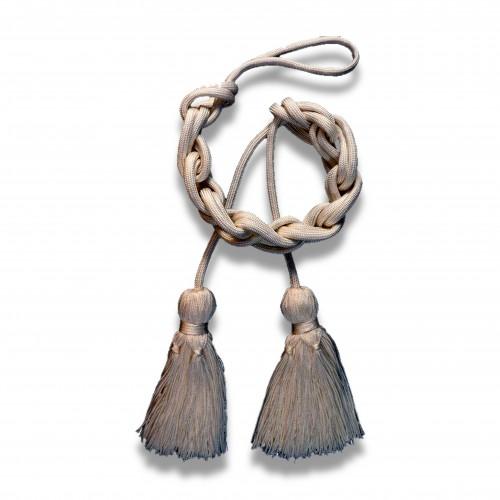 Passamaneria: fiocco con cordoniera ritorto oro/argento